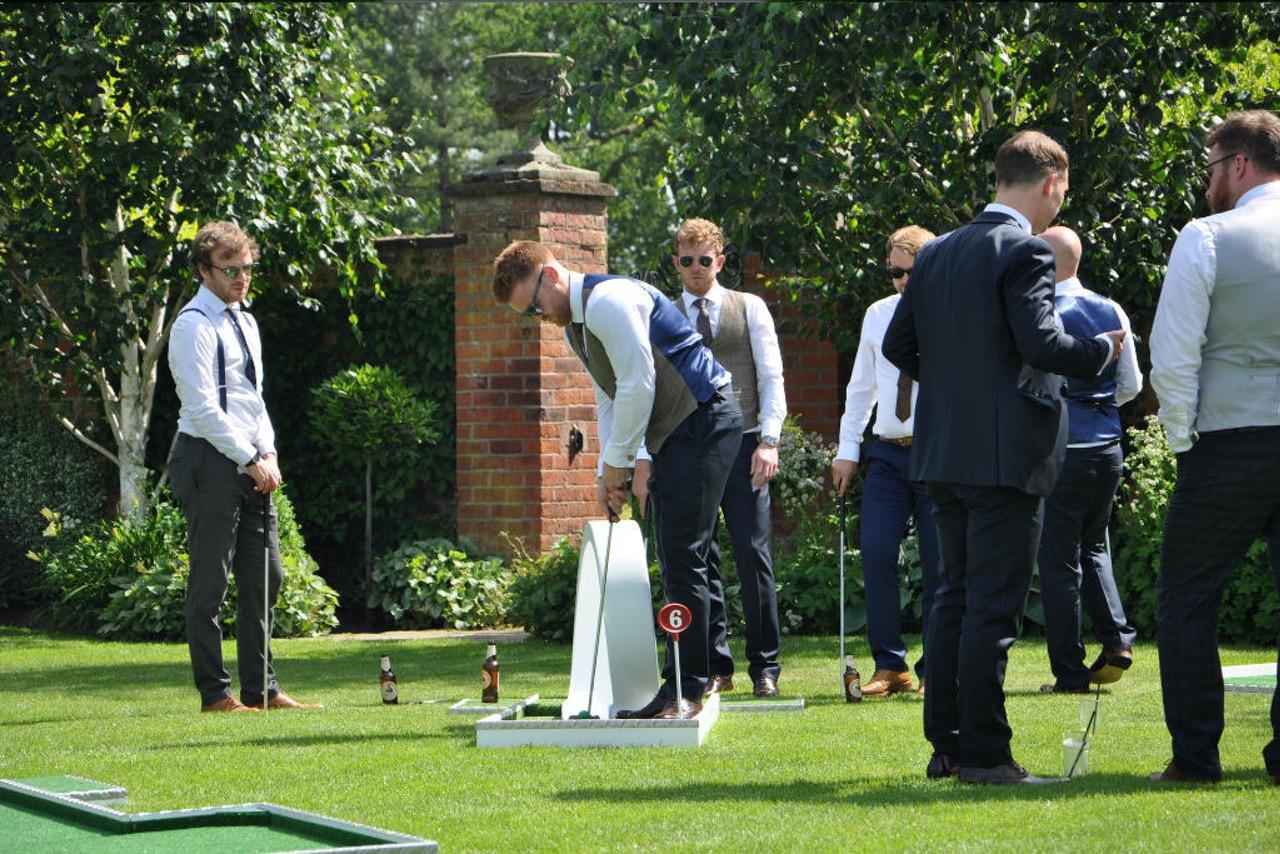 wedding themed mobile crazy golf