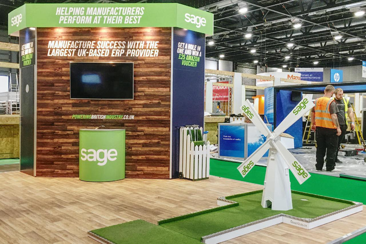 Creative exhibition stand mobile crazy golf by crazy9