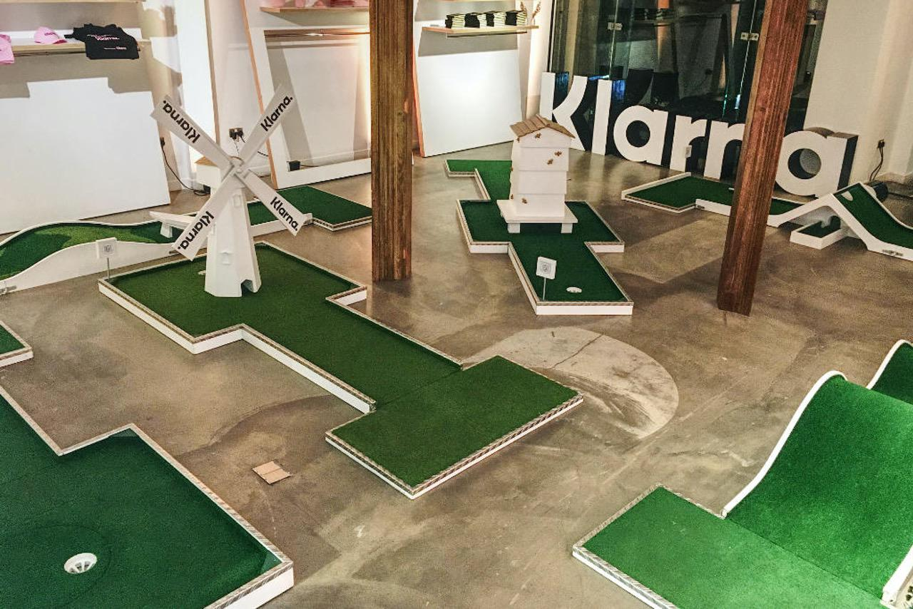 House of KLARNA Pop-Up Crazy Golf Course