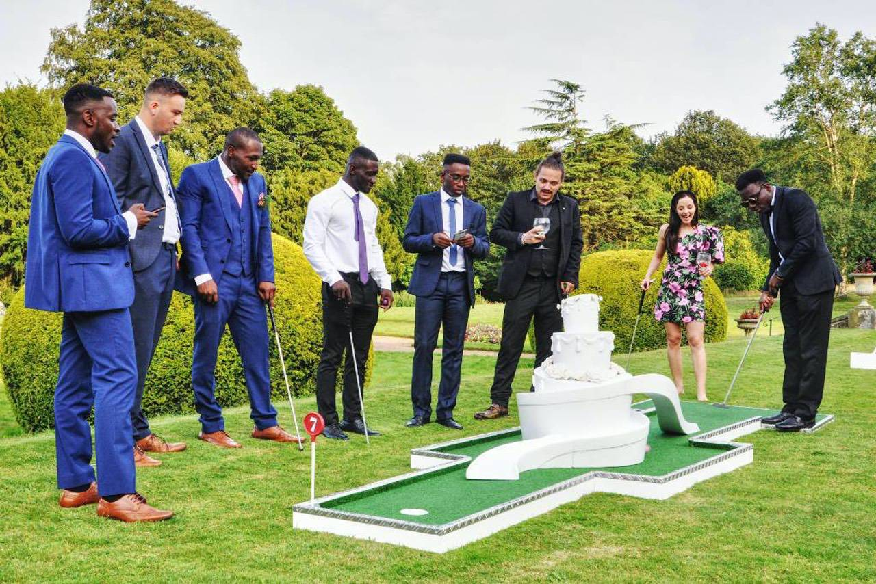 wedding mini golf by crazy9 wedding cake