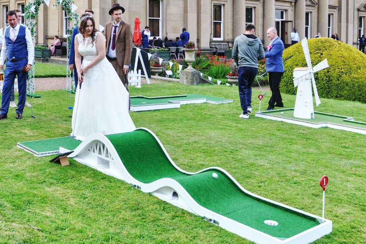 wedding mobile crazy golf course the honeymoon