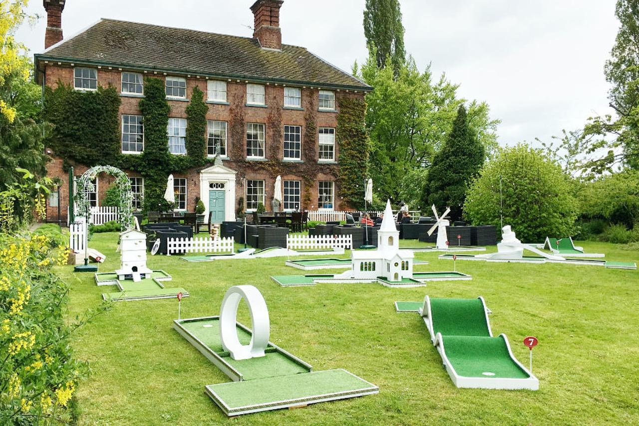 Wedding Mobile Crazy Golf Mytton Mermaid, Shropshire wedding venue